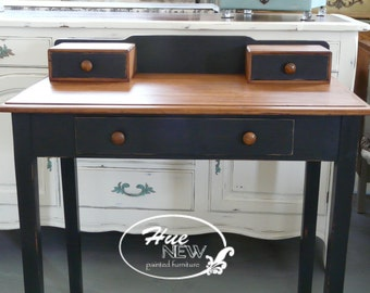 Antique Shaker-style Desk