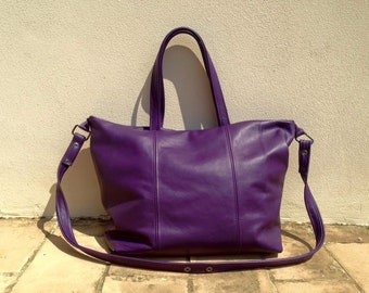 leather bag with handles and shoulder strap. shopper