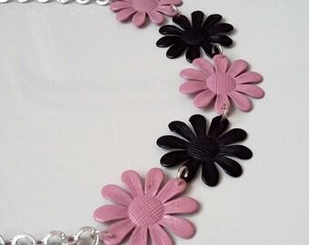 Spring necklace model 3