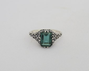 Vintage Sterling Silver Emerald Filigree Ring Size 6.5