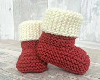 Christmas Baby Booties, Christmas Baby Announcement, Knitted Baby Booties, Christmas Baby Shoes, Santa Booties, Newborn Christmas Booties