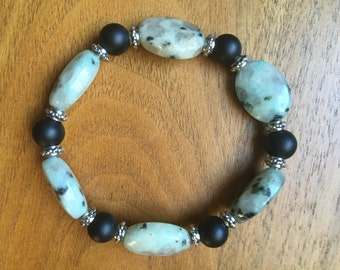 Dalmation Agate & Jet Beaded Bracelet