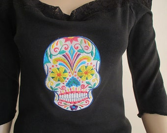 Sugar skull embroidered tee shirt.