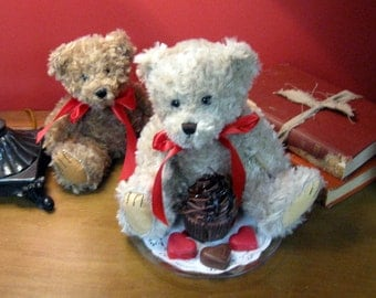 "Large Tan ""I Love You!"" Teddy Bear with Death by Chocolate Cupcake Candle Gift Set"