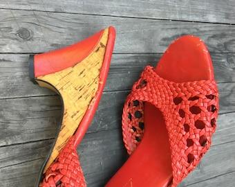 1970's Wedge Heels/ 1970s Corkscrew Wedge Heels/ Vintage Red Sandals/ Size 7 1/2