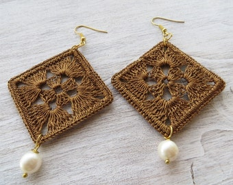 Crochet earrings with pearls, large earrings, golden earrings, dangle earrings, lace earrings, italian jewelry, gioielli, gift for her