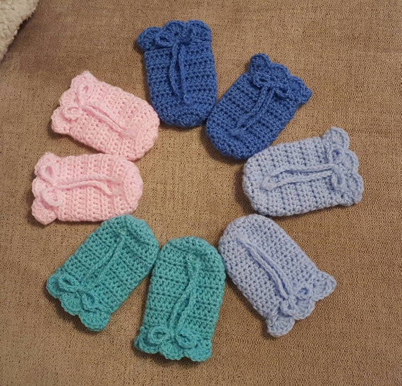 Thumbless Mittens - Baby - Size 3 to 6 month - Rainbow Baby Mittens - Infant Scratchless Mitts - Baby Accessory mysticneedle. 5 out of 5 stars () $ Favorite Add to See similar items There are 3 to 6 month mittens for sale on Etsy, and they .