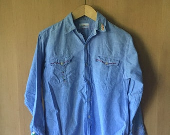 70's Embroidered Chambray Shirt, Ladies S M, Denim Button Up Shirt