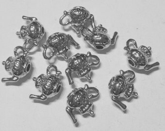 10 charms teapot in hypoallergenic metal silvered. 10 mm.
