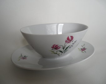 Schirnding Bavaria gravy boat,german porcelain gravy boat,sauciere,porcelain sauciere,Vintage porcelain,collectible porcelain,old porcelain
