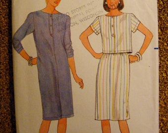 Misses' Dress Semi Fitted Straight Top and Skirt Uncut Butterick Sewing Pattern 6506 Size 12 14 16