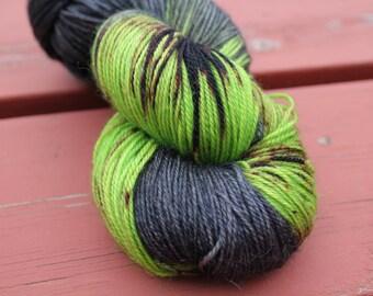 Midnight Runner Hand Dyed Yarn BFL Knitting Wool