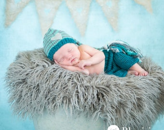 Curly Grey/Gray Faux Fur, Newborn Baby Photo Prop, Flokati Look, Faux Sheep Fur, Gray Faux Fur Prop, Luxury Photo Prop,