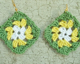 Crocheted Granny square earrings, in white green and yellow
