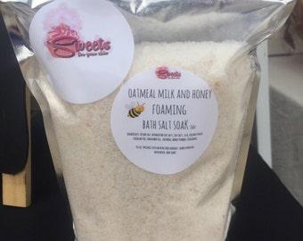Oatmeal Milk and Honey foamimg bath salt soak  16 oz
