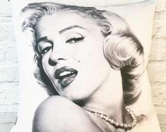 Marilyn Monroe cushion pillow cover,  Hollywood throw cushion cover, gift for her, retro decor, 1950s home, pin up girl