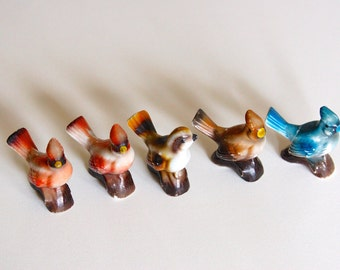 Charming Shabby Chic set of five ceramic vintage bird figurines