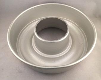Vintage Extra Large Aluminum Jello Ring Mold, Bundt Pan