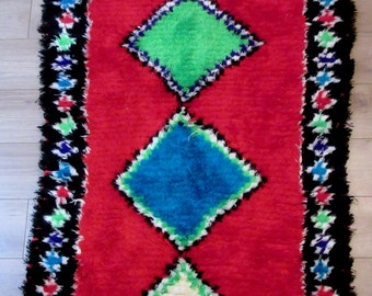 Moroccan rug boucherouite 100 (or boucharouette) berber tribal art