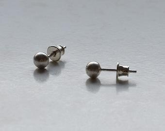 Sterling silver earrings/ silver 925/ yong stile/ round 5,5 mm./ stud earrings/ everyday wear