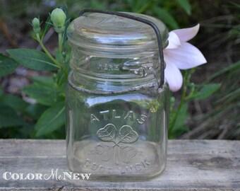 Vintage Atlas Good Luck Four Leaf Clover Jar - Pint - Glass Lid with Bail Closure -
