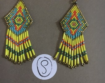 Earrings ethnic cheyenne style in shades of yellow, green and orange