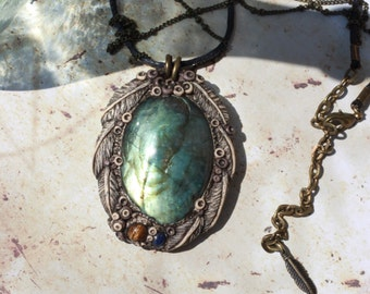 The mirror of ether - Labradorite, Lapis Lazuli, Tiger's eye-