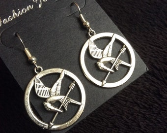 80p UK P&P handmade bird inspired Mockingjay earrings silver bird arrow feather UK Seller