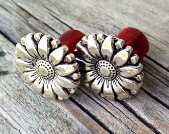 Delightful Silver Daisy Plugs -Size: 2g (6mm) & 0g (8mm)/Elegant/Handcrafted Wood Plugs/Wedding/Organic Gauges/wood Gauges/Hippie/