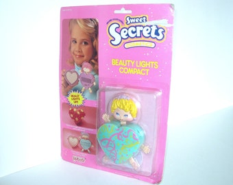 1980s Sweet Secrets - Beauty Lights Compact - Galoob 4636 - MOC - Transformer Transforming Girls Jewelry Toy - NRFB - Mint in Package