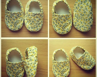 Baby Girl Shoes - Baby Booties - Crib Shoes - Pram Shoes - Girls booties - Floral Shoes - Soft Sole - Slip on - Baby Shower Gift -New Baby