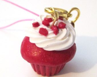 Red velvet cupcake polymer clay, polymer clay phone strap, phone strap, polymer clay charms
