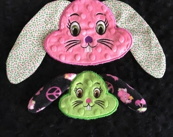 NNC Bunny Applique 4x4 and 5x7 hoop in all popular formats