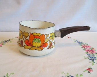 Sanko Ware Country Flowers Small Pot with Spout