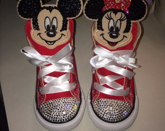 Mickey/Minnie Mouse Kicks