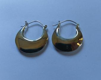 Handmade Solid 925 Sterling Silver earring.