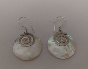 Handmade Solid 925 Sterling silver mother of pearl earring.