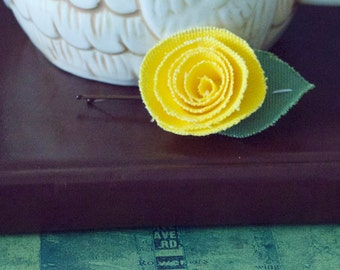 Yellow Flower Bobby Pin Set