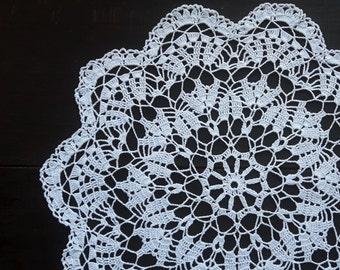White crochet doily No.30