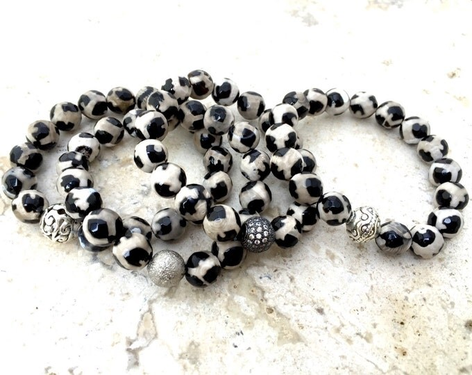 Agate Bracelet- Dzi Agate Bracelet- Black and White Agate Bracelet- Tribal Stone Bracelet- Women's and Mens Bracelet- Stackable Bracelet