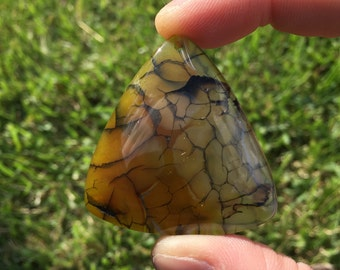 Triangle Yellow Dragon Veins Agate Pendant