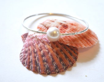White Pearl Bangle, Single Pearl Bracelet, Hammered Silver Bangle