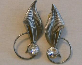 Vintage 80s crystal leaf earrings