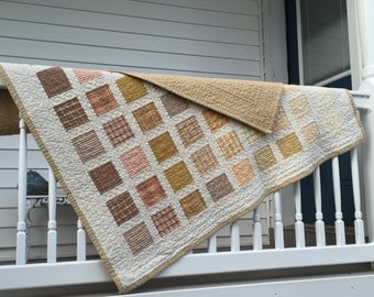 Beige & Cream Fading Boxes Flannel Quilt