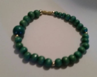 Vintage Green Bead Bracelet Costume Jewelry