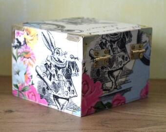 Alice White Rabbit square trinket box