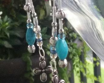 Torquoise colored dangle earrings set