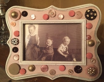 Pale pink and brown photo frame - holds 5x7 photo