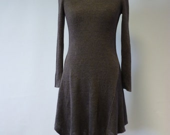 Casual minimalistic chocolate colour dress, M size. Handmade and fashion.