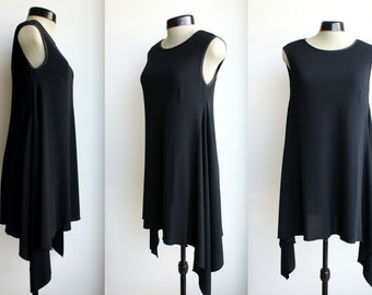 Black jersey tunic, hanging corners